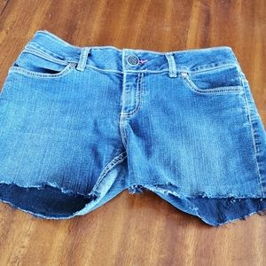 Wrangler Cut Off Jean Short 7/8 Mid Rise Cowgirl
